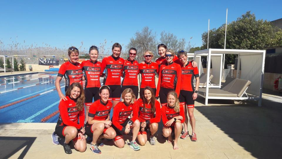 Ere en 1e divisie dames op trainingsweek op Mallorca